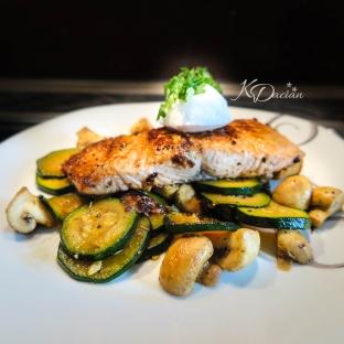 Salmon with roasted veggies