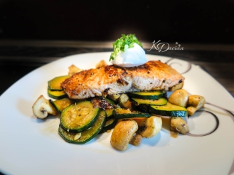 Salmon with roasted veggies